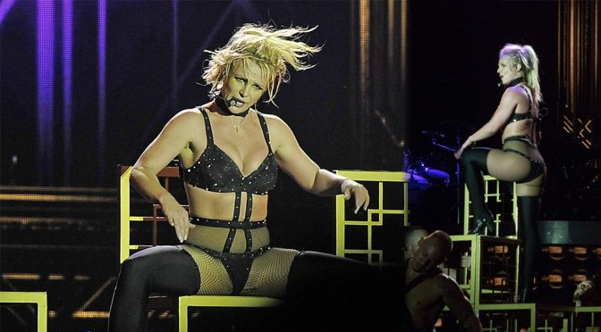 Britney Spears Sexy In Lingerie On Stage
