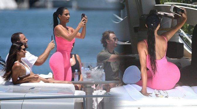 Kim Kardashian Big Booty On Yacht