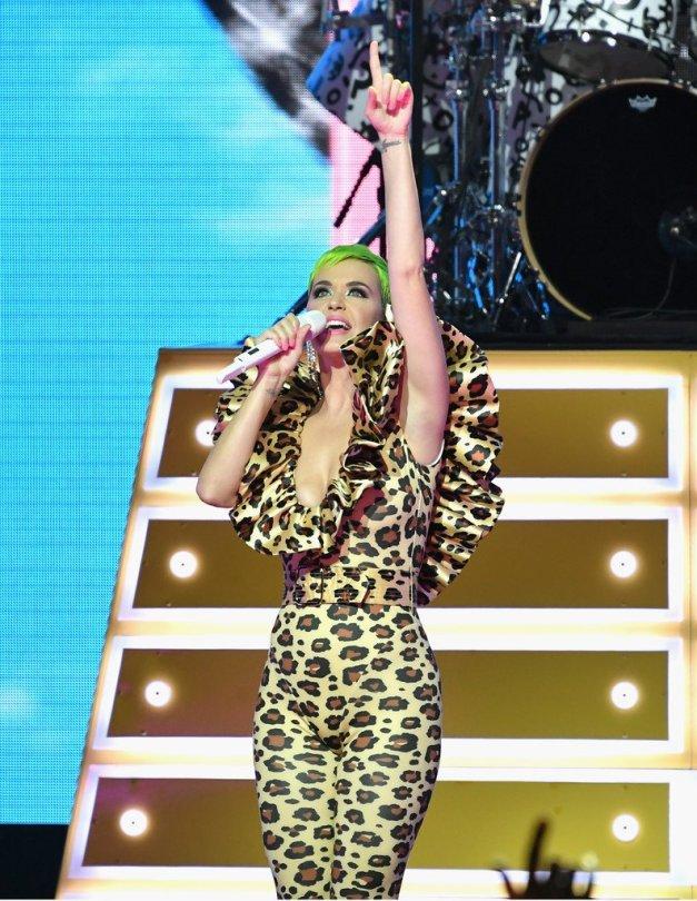 Katy Perry Sexy Boobs