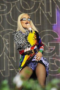 Rita Ora Sexy Legs