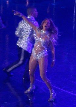 Jennifer Lopez Sexy On Stage