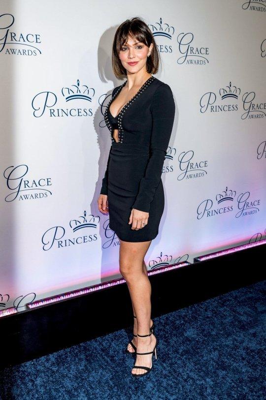 Katharine Mcphee Sexy Cleavage