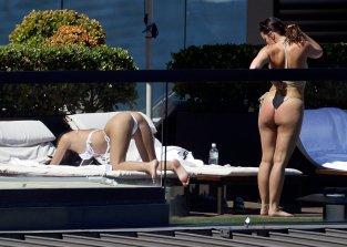 Emily Ratajkowski Perfect Ass In Thong Bikini