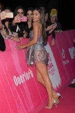 Hailee Steingeld Sexy Long Legs