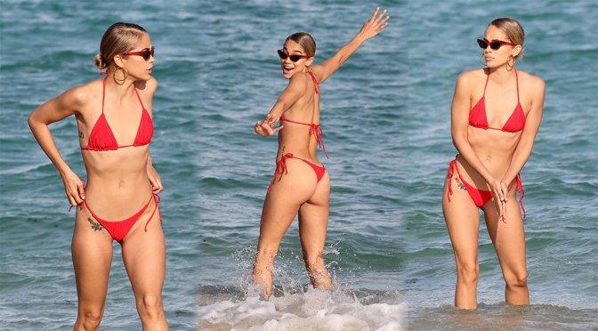 Jasmine Sanders – Bikini Candids in Miami