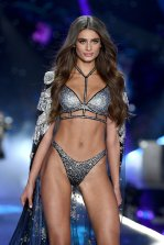 Taylor Marie Hill Sexy