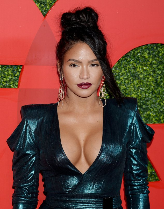 Cassie Ventura Sexy Big Cleavage