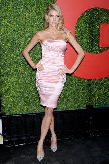 Charlotte Mckinney Sexy Body