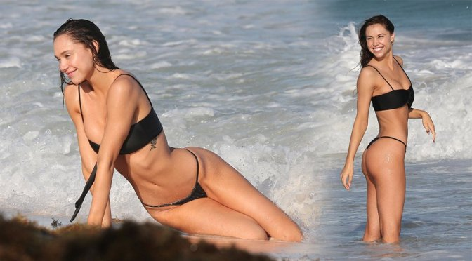 Alexis Ren – Sexy Thong Bikini Candids on the Beach in Tulum