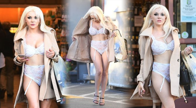 Courtney Stodden – Lingerie Candids in West Hollywood