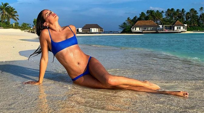 Sara Sampaio – bikini Photoshoot in Maldives