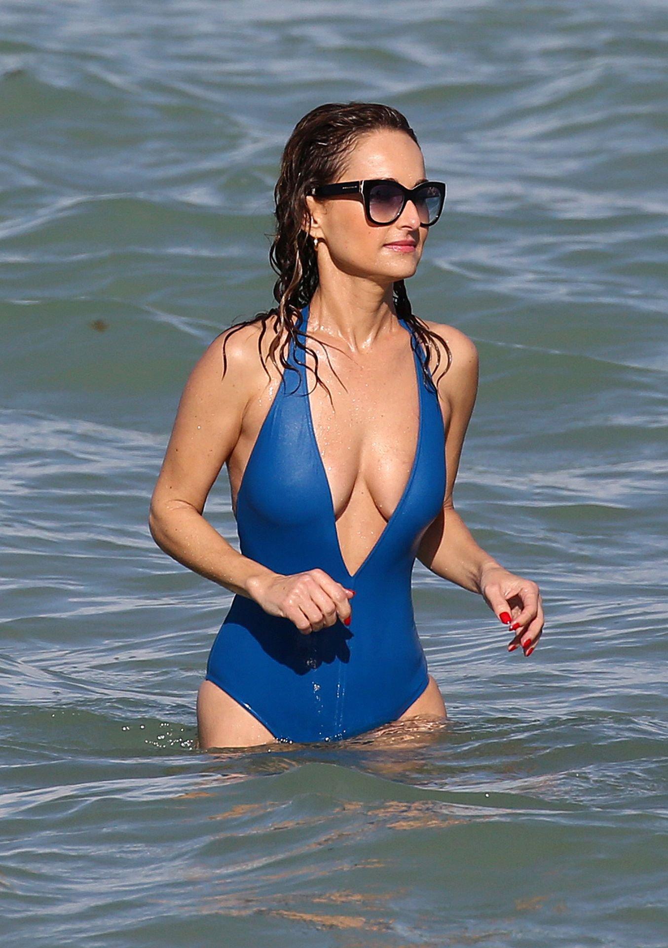 Giada De Laurentiss Sexy Swimsuit