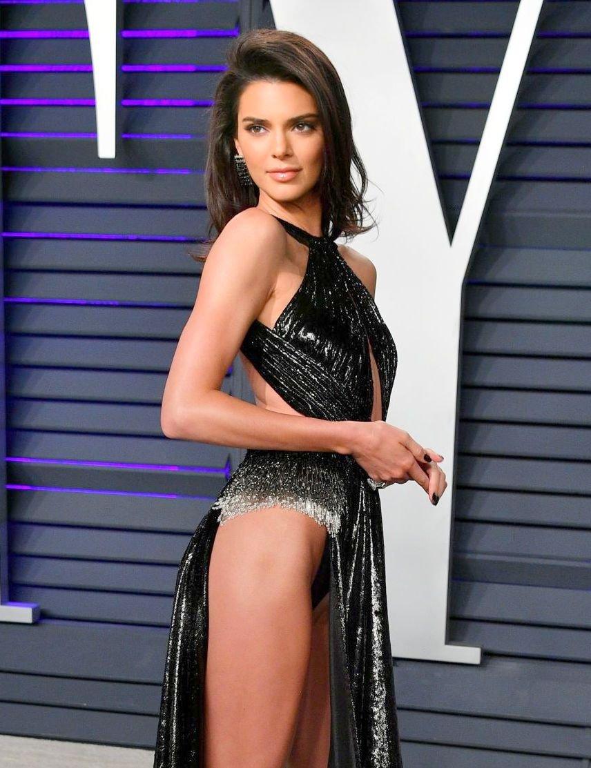 Kendall Jenner Sexy Dress Exposing Panties