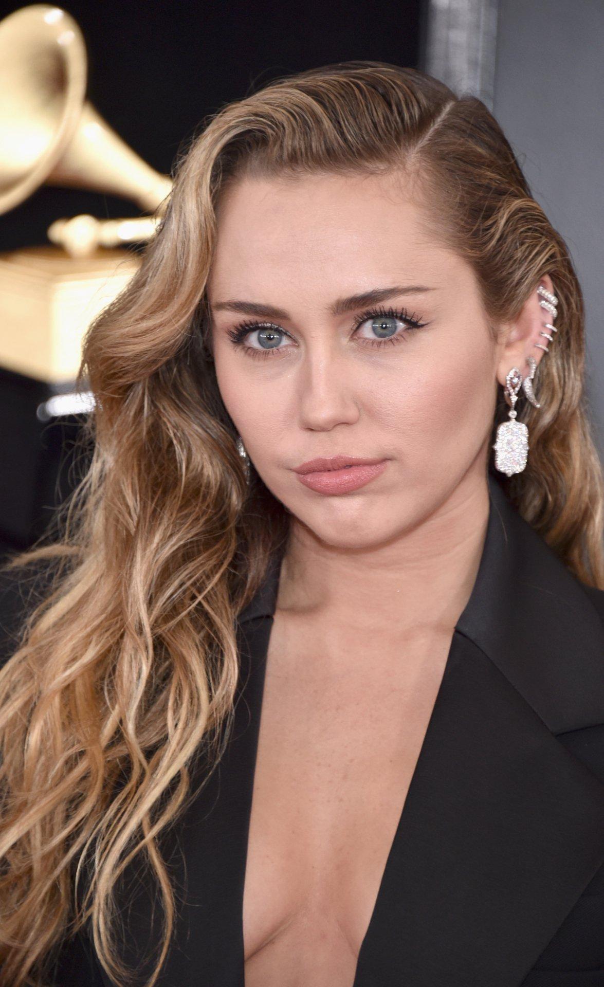 Miley Cyrus Braless