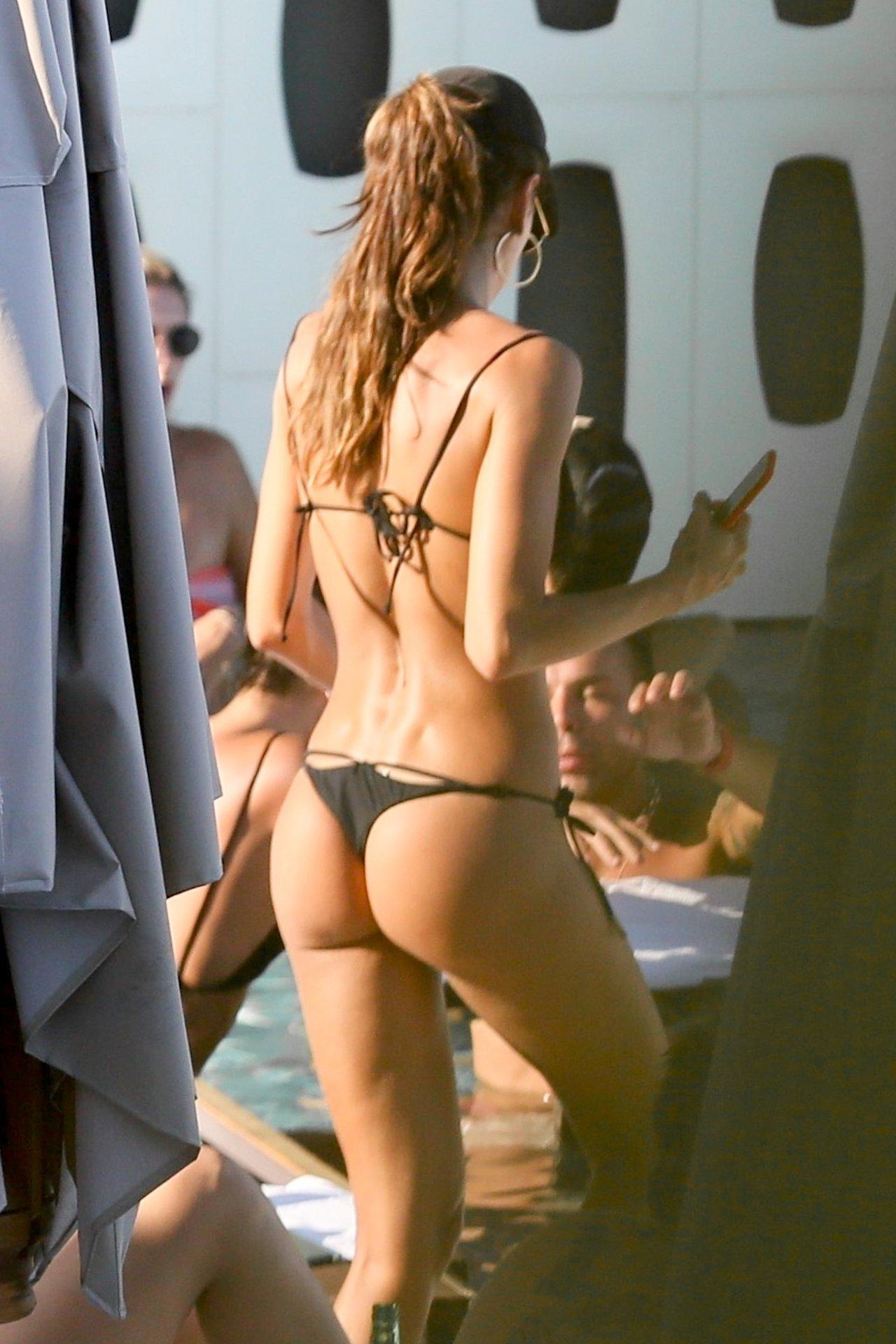 Izabel Goulart – Thong Bikini candids in Rio de Janeiro