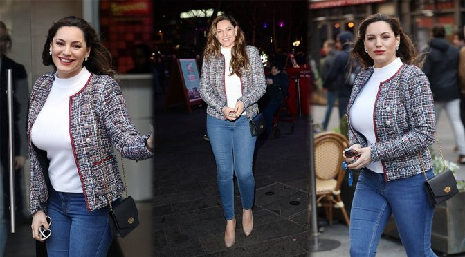 Kelly Brook – Sexy Candids in London
