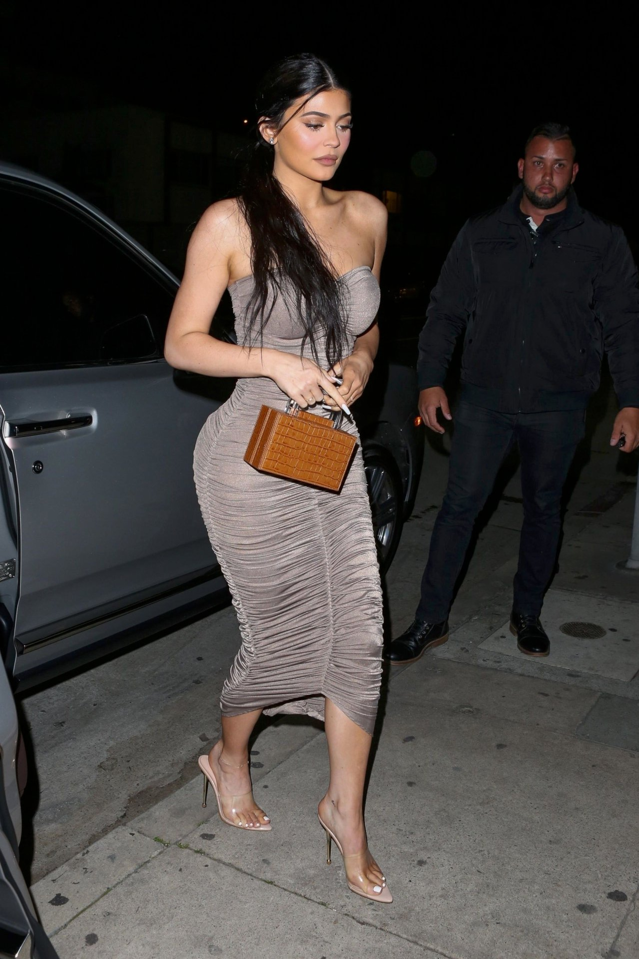 Kylie Jenenr Hot Curvy Body
