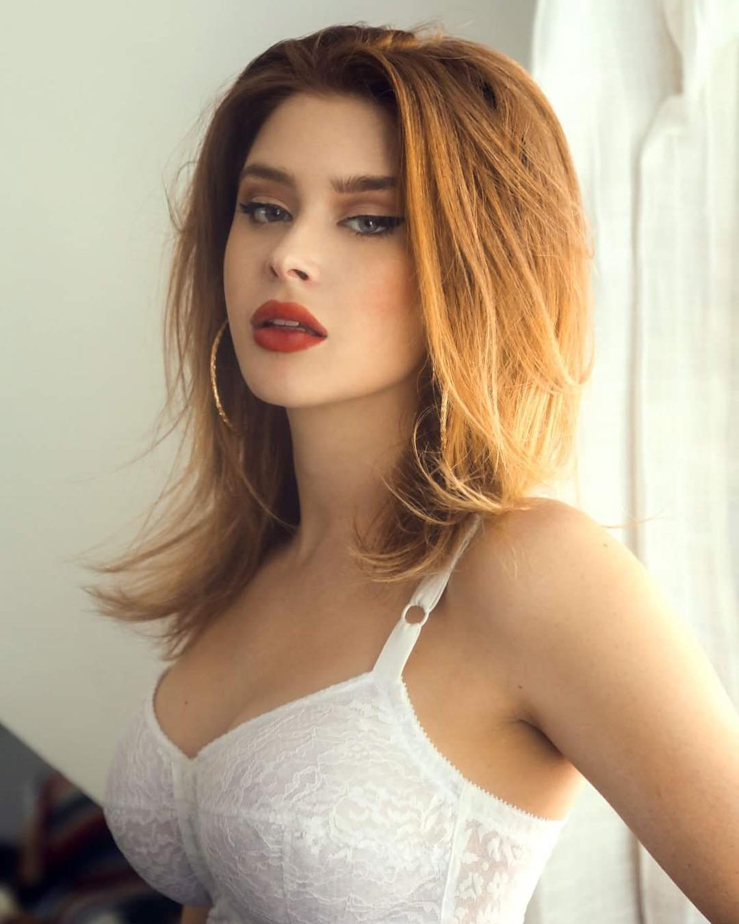 Renee Olstead Hot Photoshoot