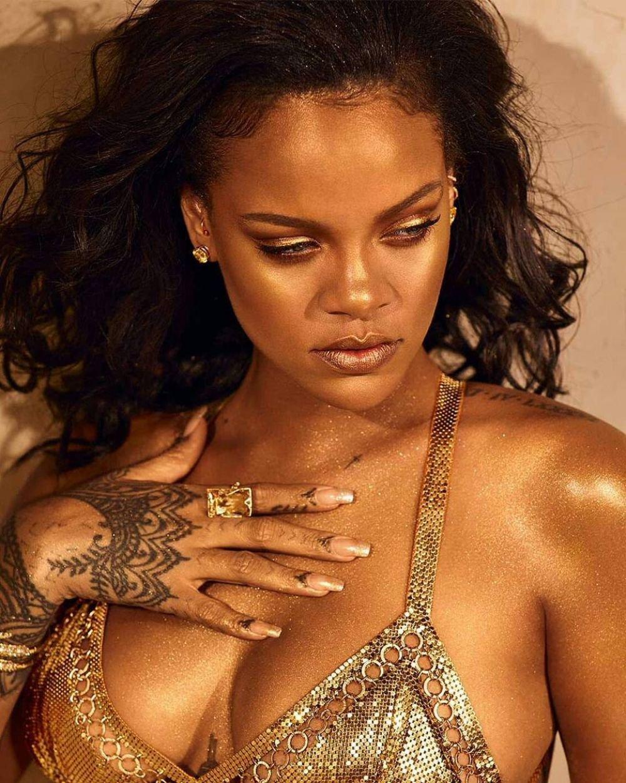 Rihanna – Fenty Beauty Body Lava 2019 Campaign