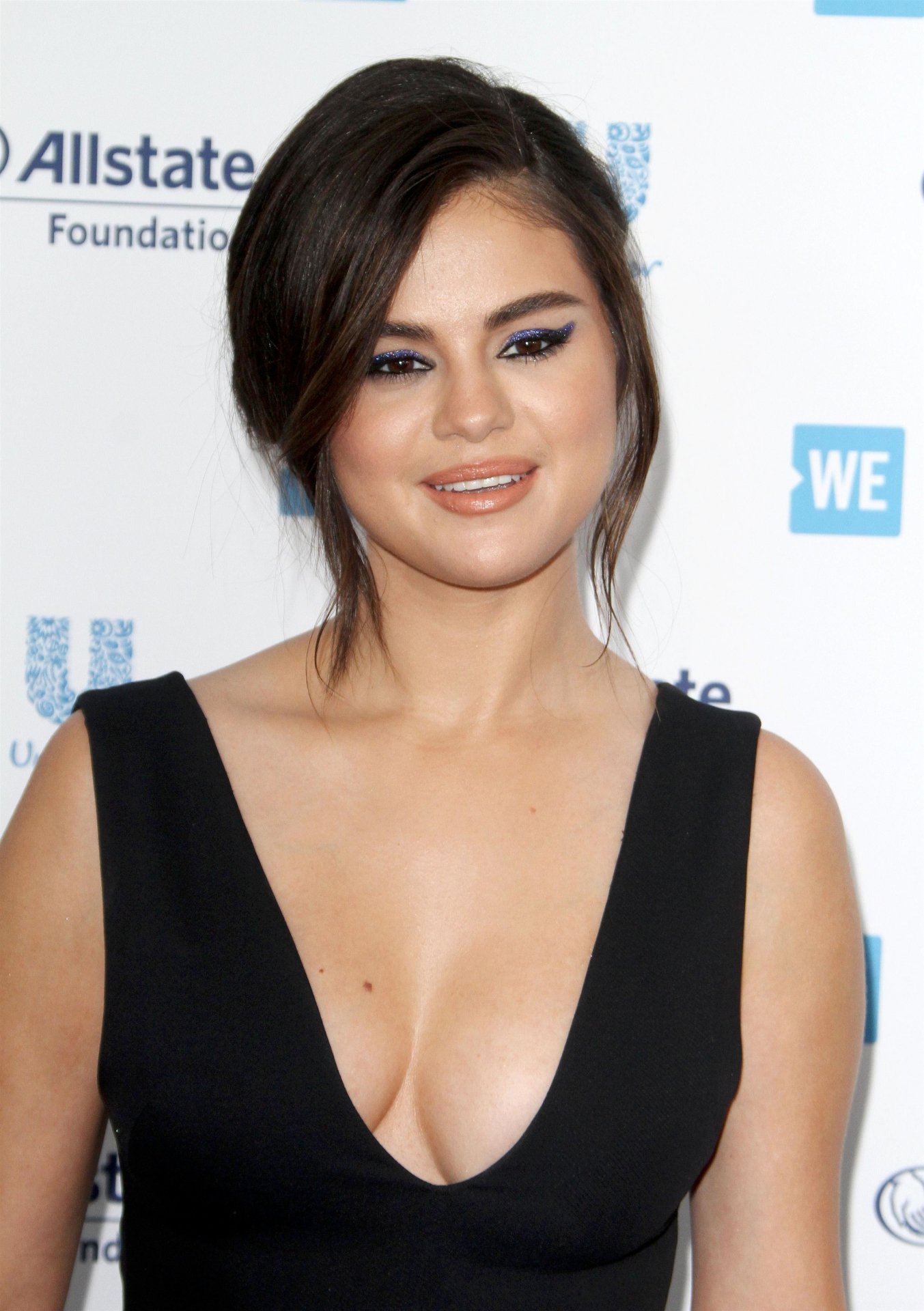 Selena Gomez - Sexy Big Cleavage at WE Day California 2019 in Inglewood - Hot Celebs Home
