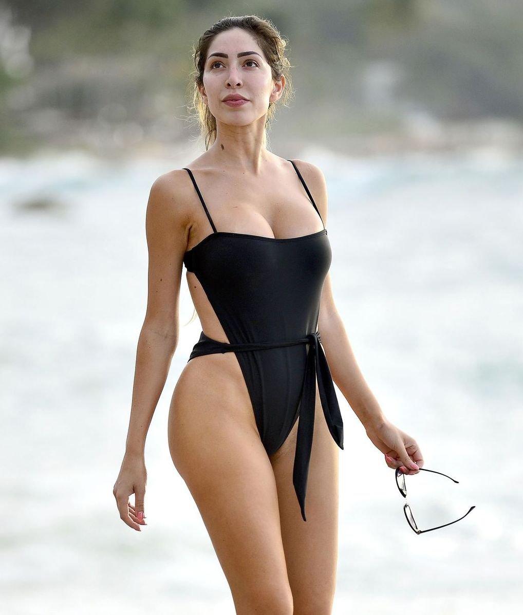 Farrah Abraham Sexy Body In Black Swimsuit