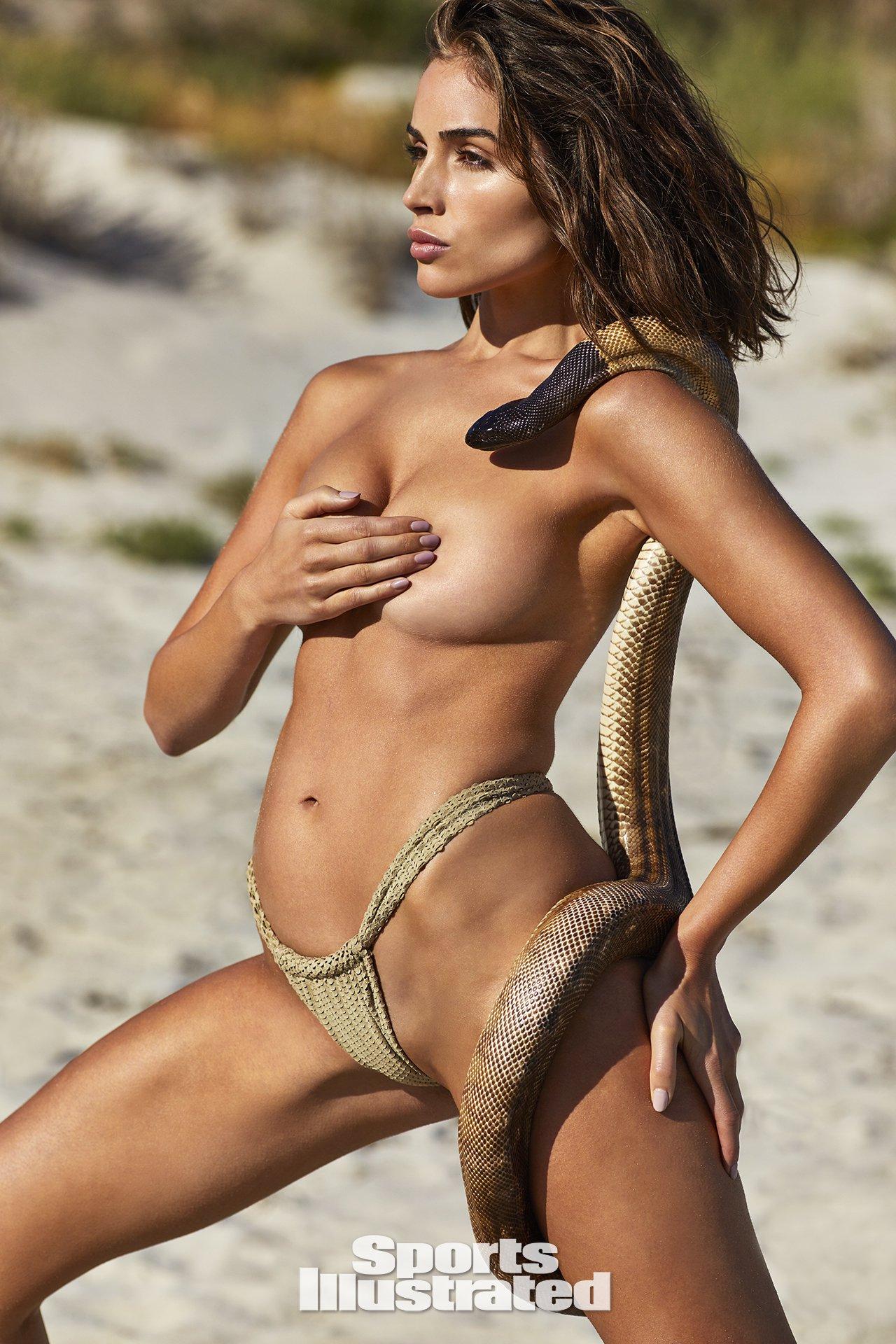 Olivia-Culpo-Hot-Naked-Photoshoot-1.jpg