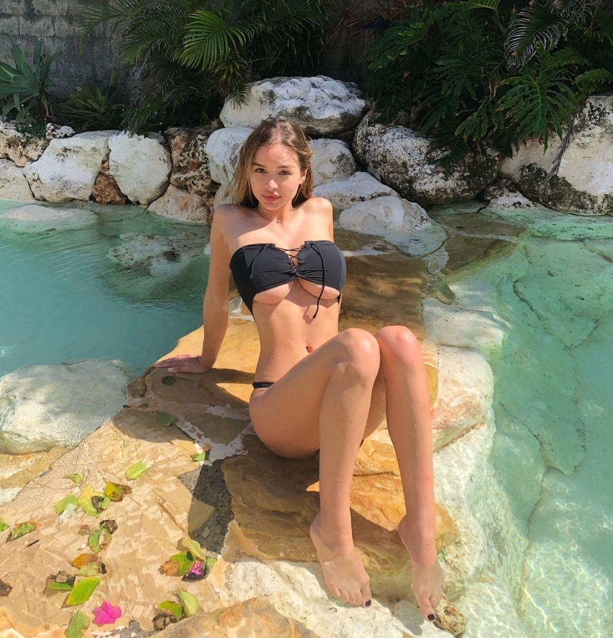 Sophie Mudd Sexy Big Boobs