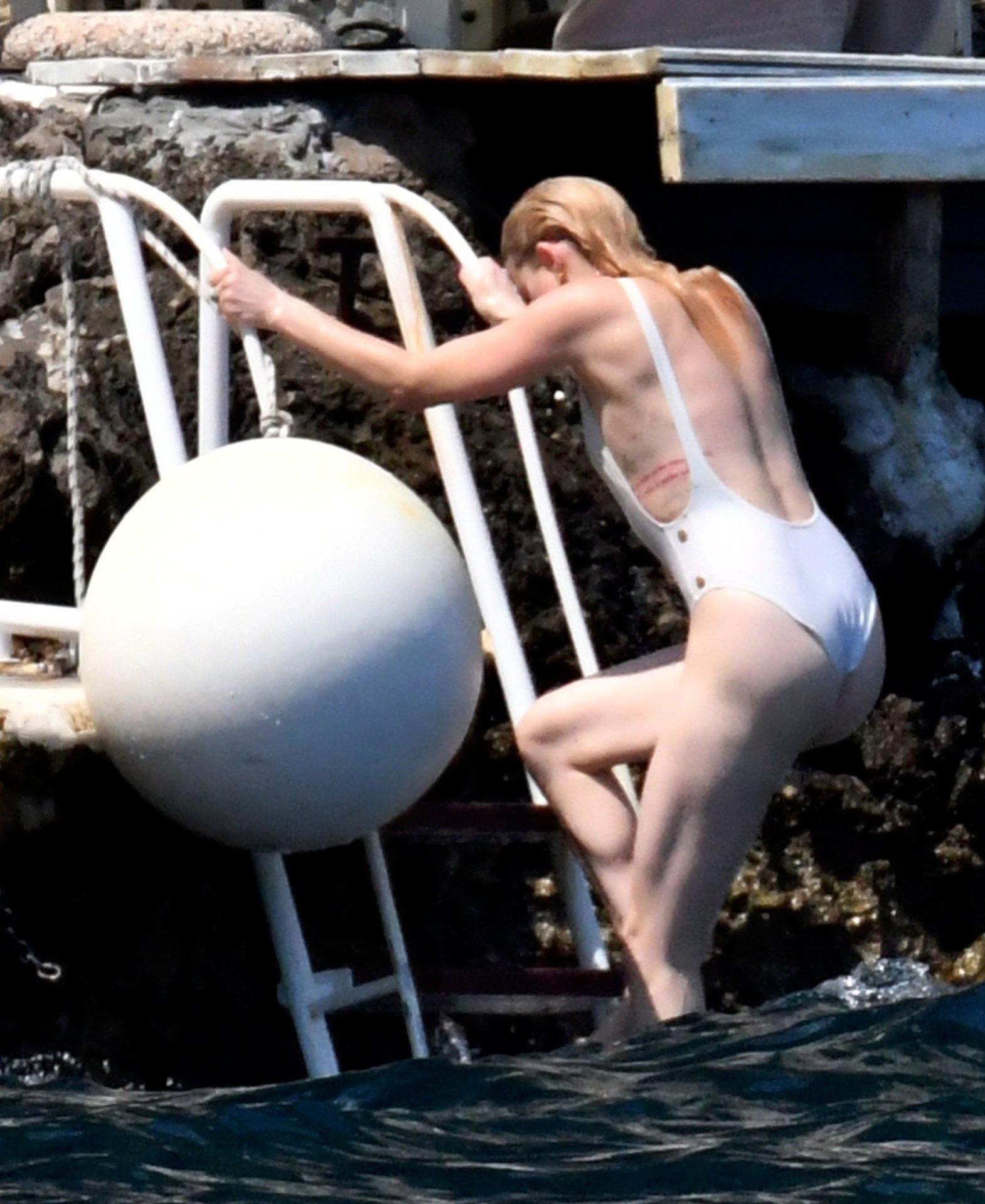 Amber Heard Sexy Swimsuit