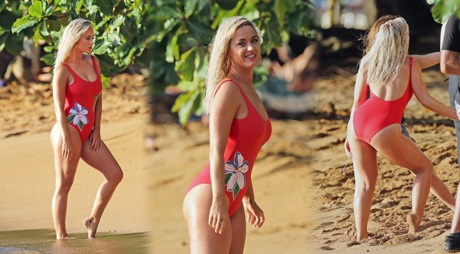 Katy Perry - Swimsuit Photoshoot Candids In Hawaii - Hot -5940