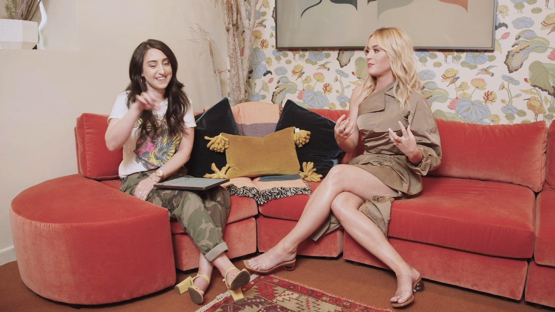Katy Perry Sexy Legs