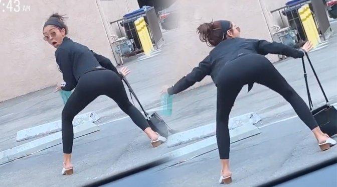 Sarah Hyland – Sexy Dance Video
