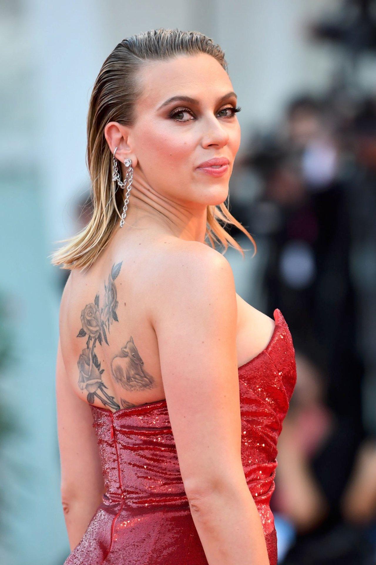 """Scarlett Johansson - """"Marriage Story screening"""" Premiere ..."""