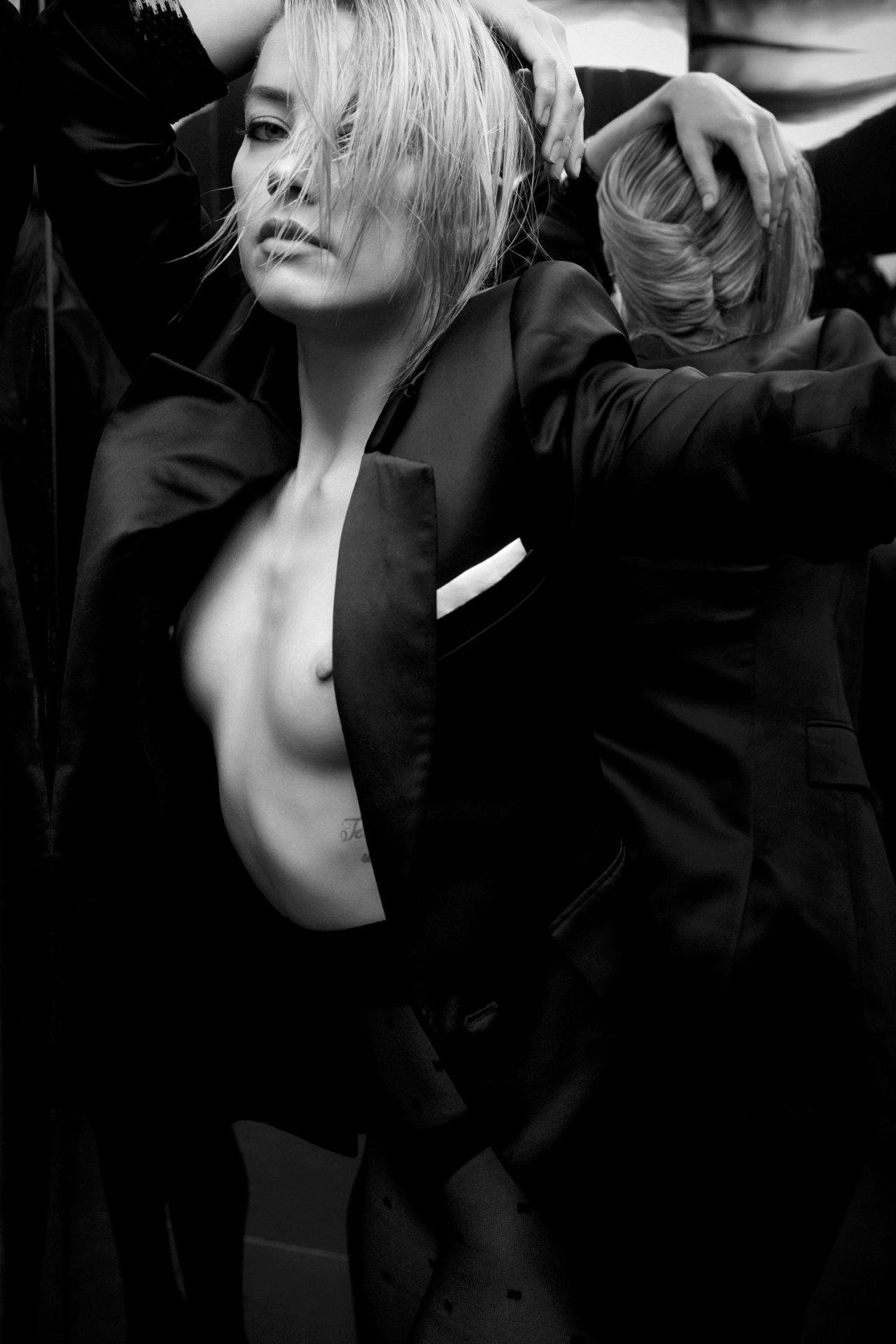 Amber Heard Topless