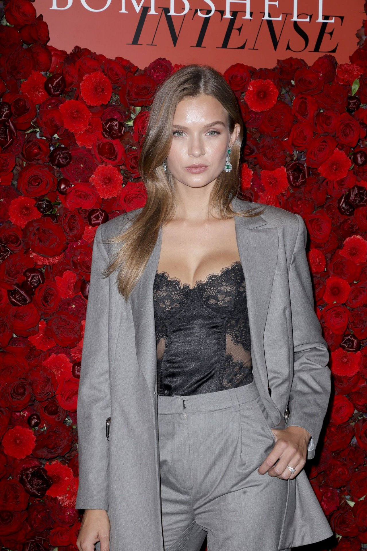 Josephine Skriver Sexy Body