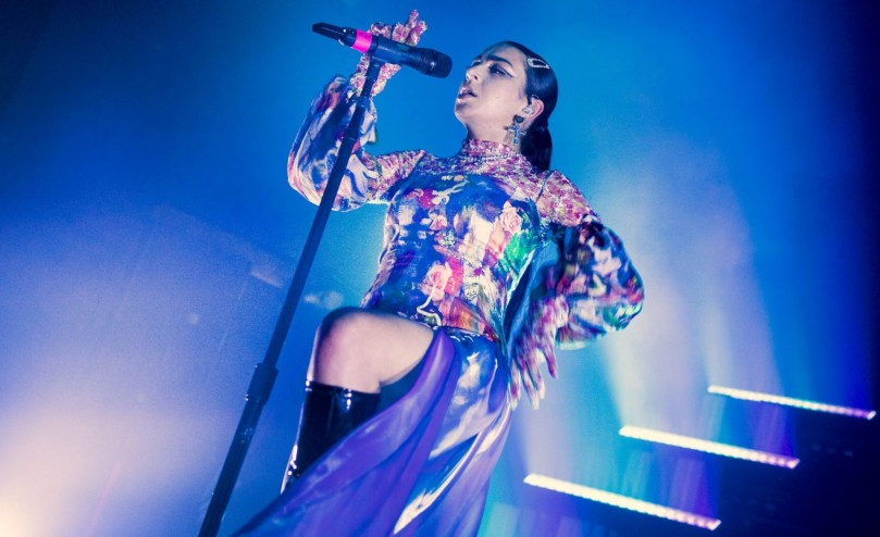 Charli Xcx Sexy On Stage