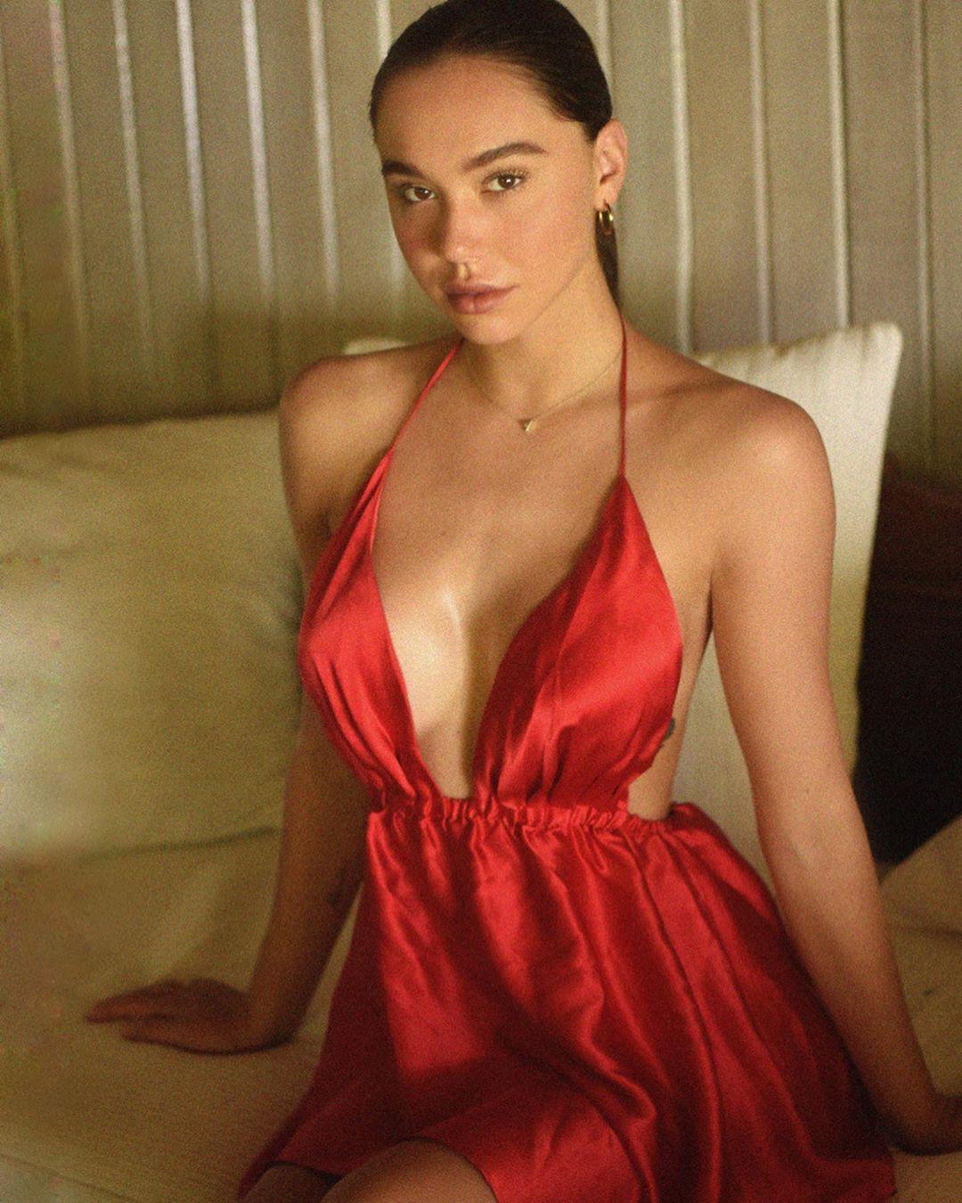 Alexis Ren Beautiful
