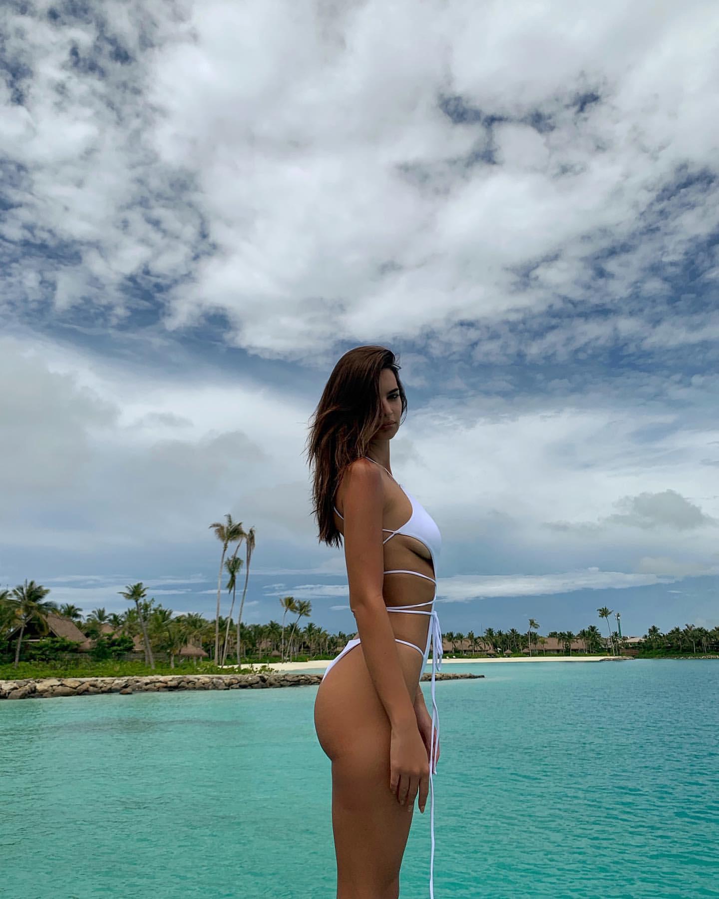 Emily Ratajkowski Sexy White Swimsuit