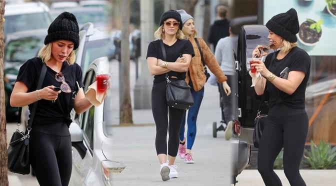 Hilary Duff – Sexy Black Leggings at Sweetgreens in Studio City