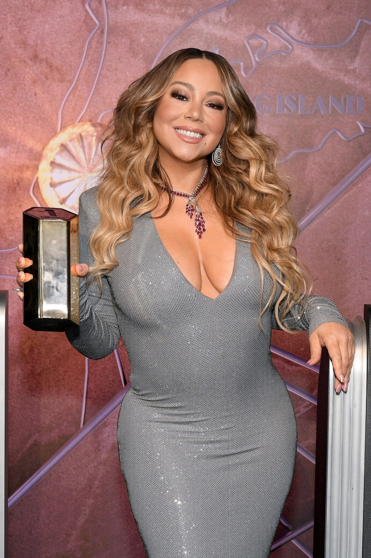 Mariah Carey - - Sexy Big Boobs at Empire State Building in New York   Hot Celebs Home