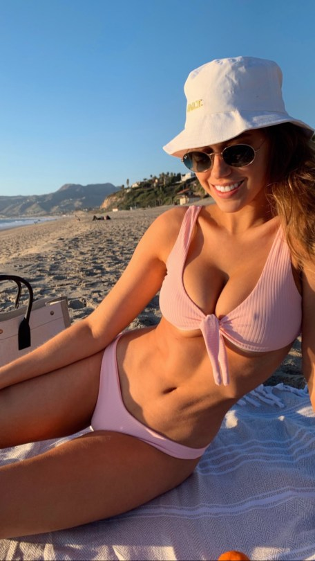 Kara Del Toro Sexy Boobs And Pokies