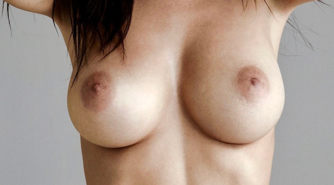 Emily Ratajkowski Full Frontal Nudity