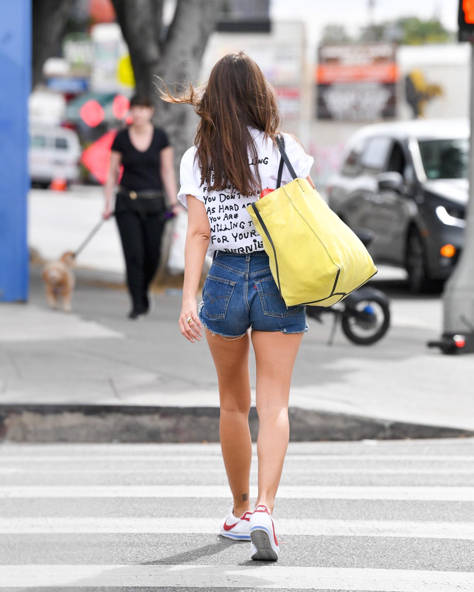 Emily Ratajkowski Hot Legs In Denim Shorts