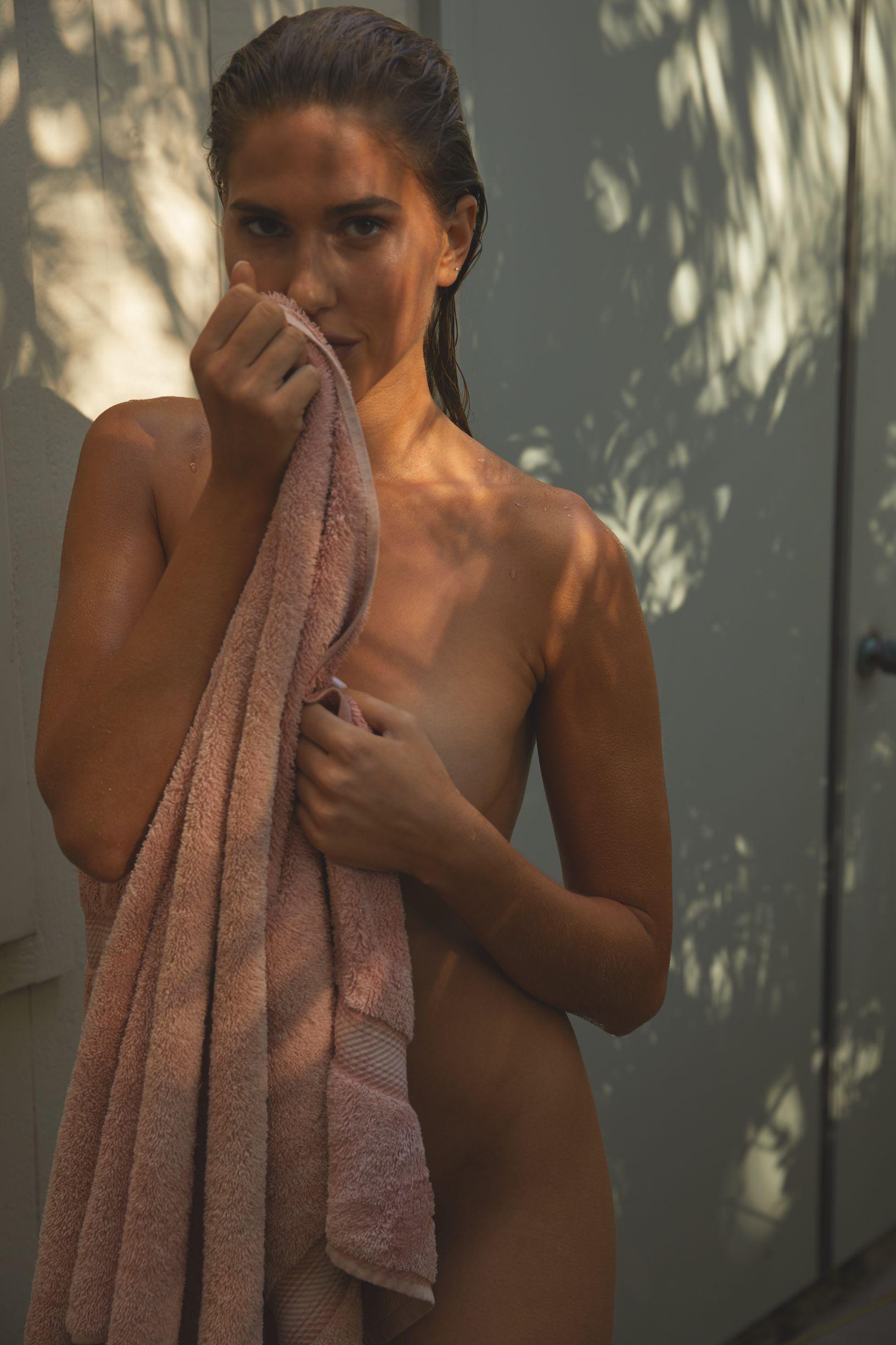 Kara Del Toro Hot Naked Boobs And Ass