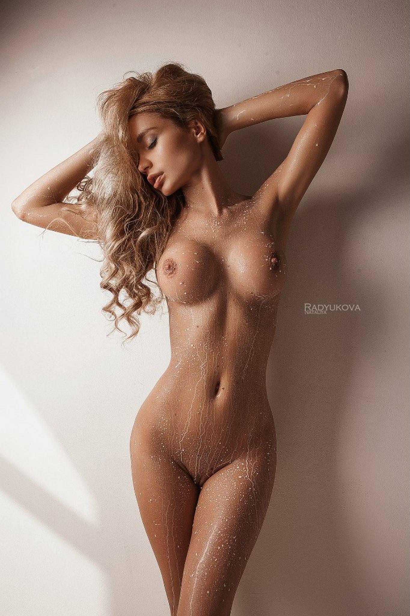 Ekaterina Zueva Sexy Naked Pics