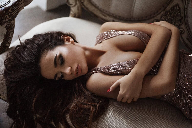 Ekaterina Zueva Sexy Photoshoot