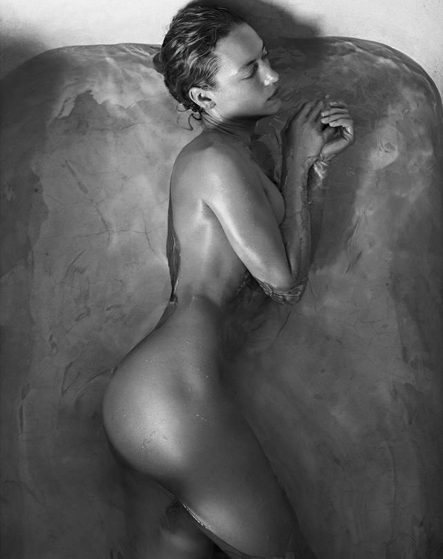 Hannah Feguson Naked In Bath