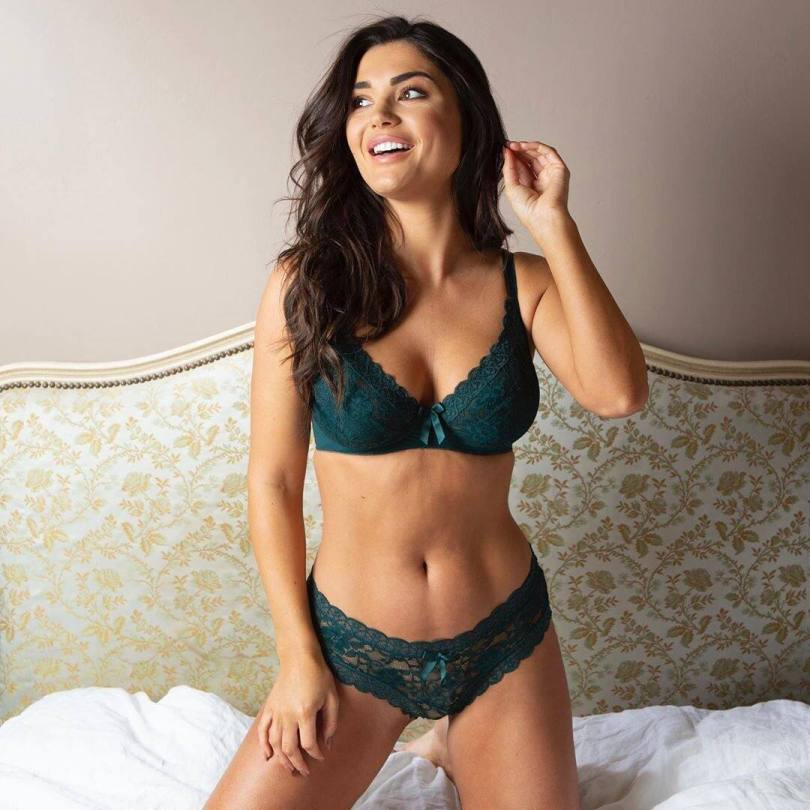 India Reynolds Sexy Lingerie