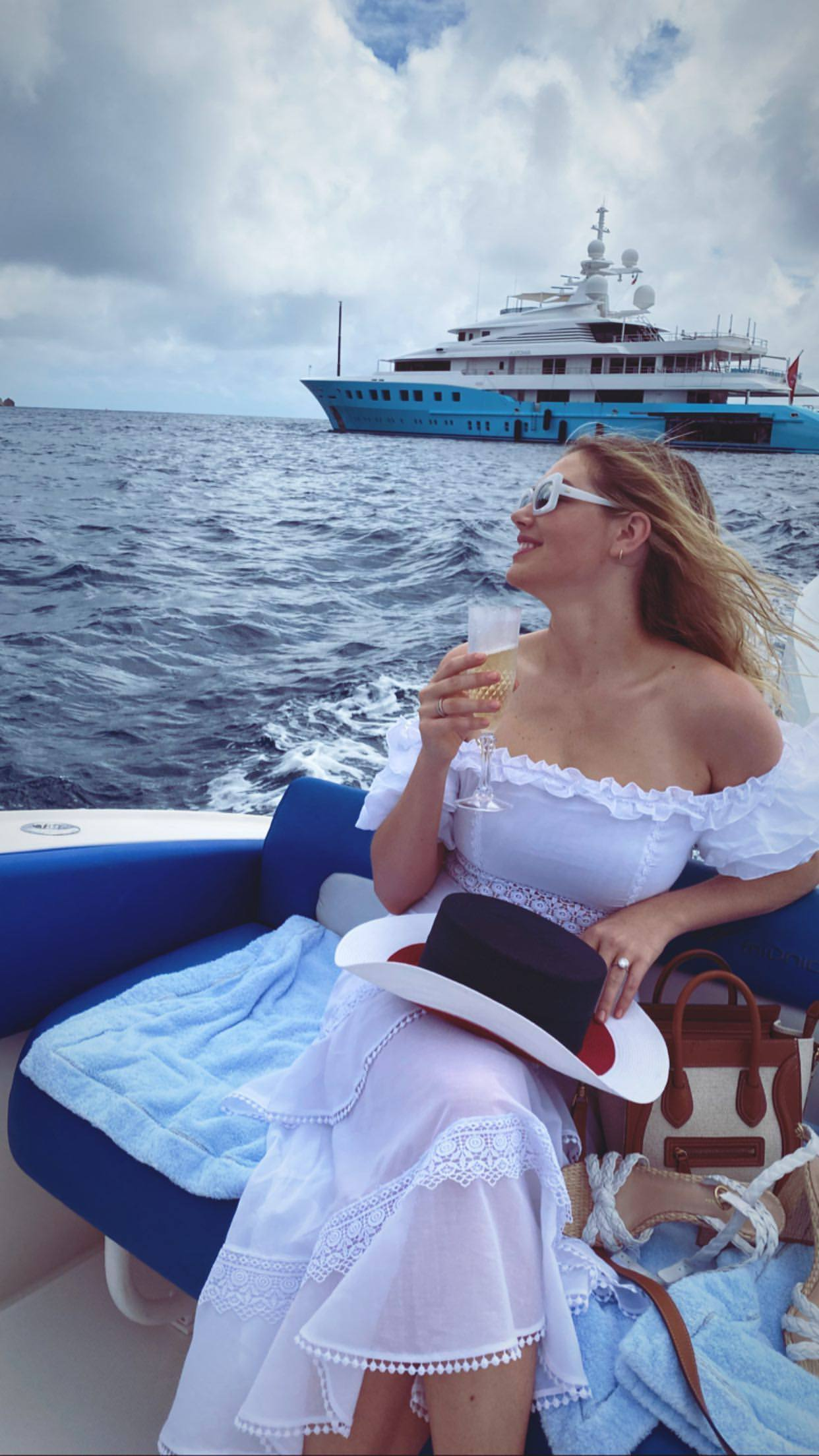 Kate Upton Sexy On A Boat