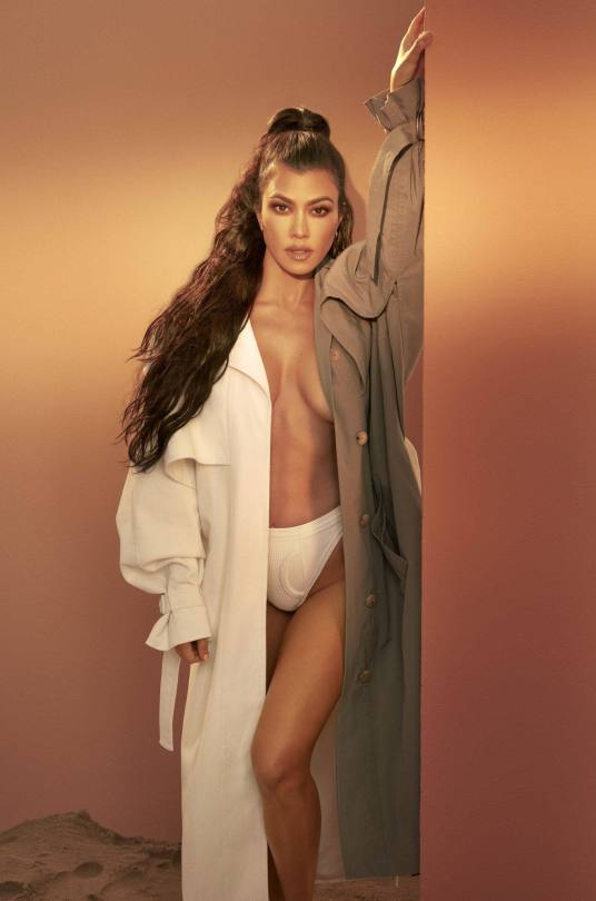 Kourtney Kardashian Sexy Braless Boobs
