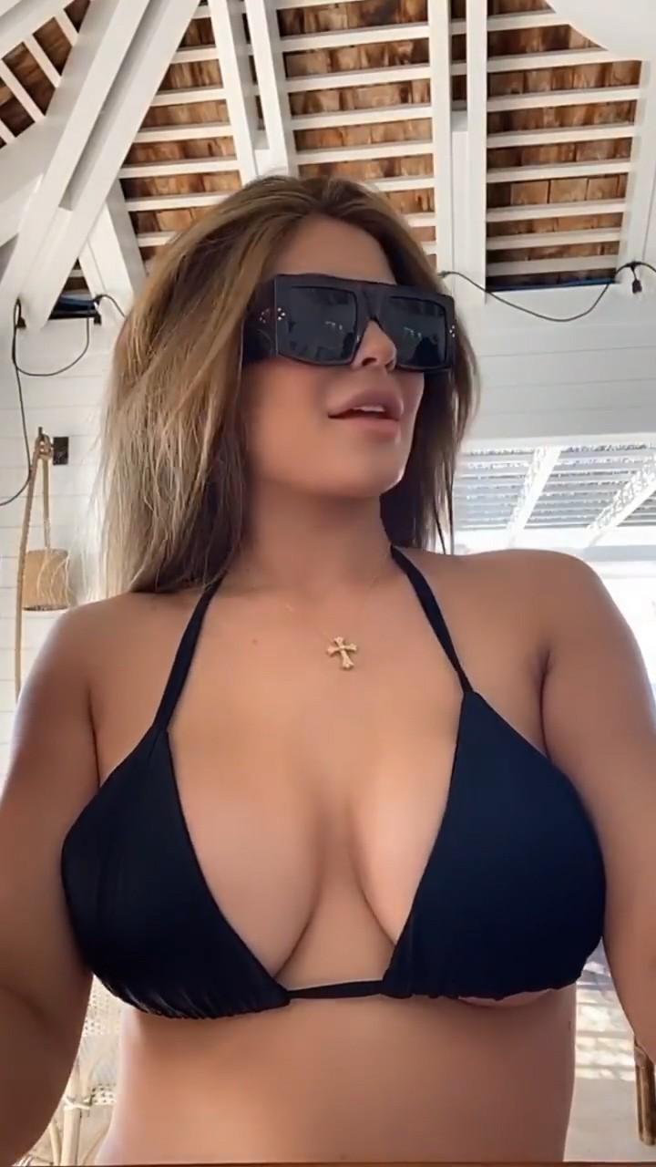Kylie Jenner Hot Body In Black Bikini